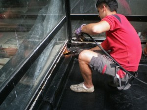 лепене на хидроизолационен материал поредством горелка